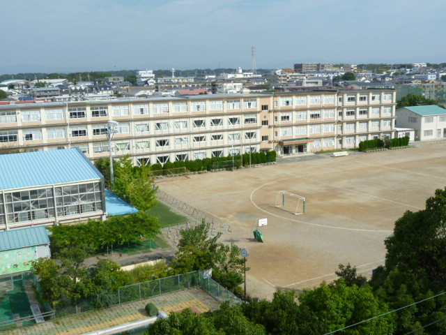 佐鳴台小学校約350m