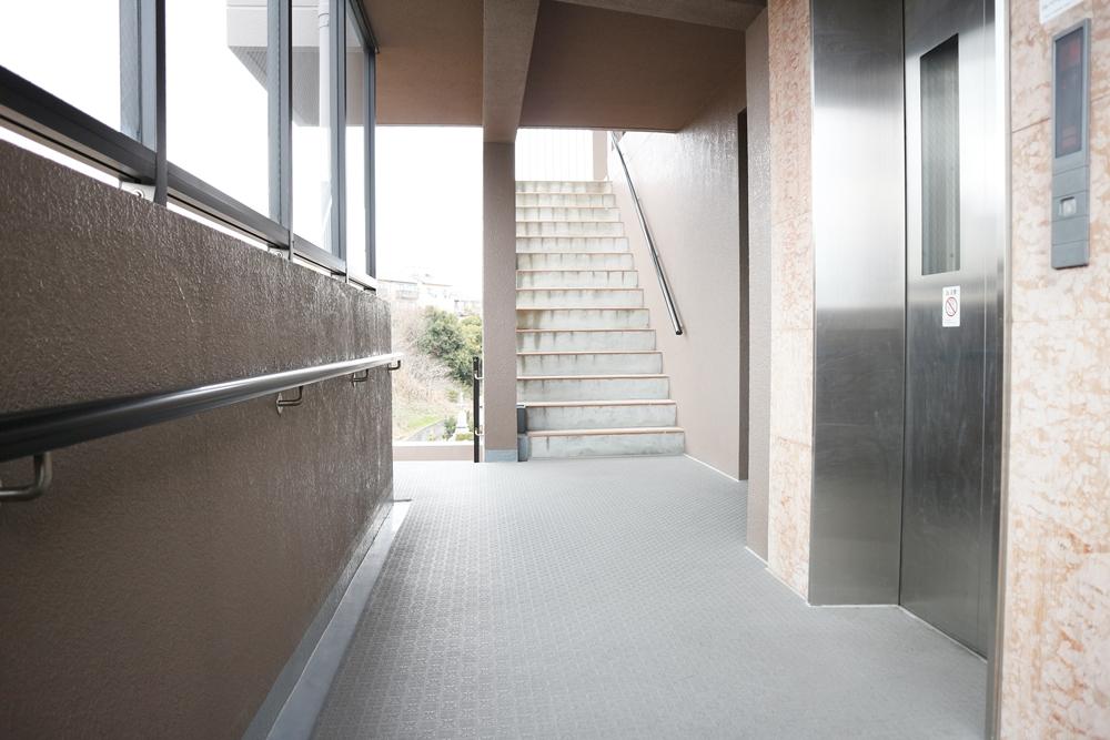 階段登って5階へ到着