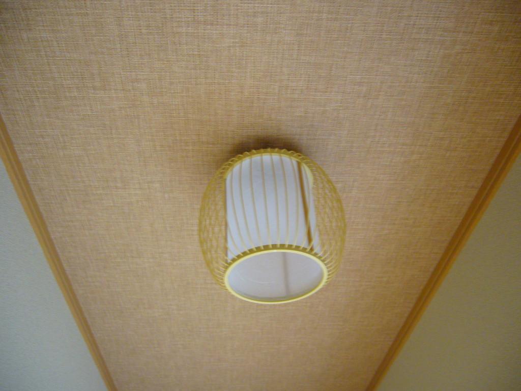 廊下の天井の照明