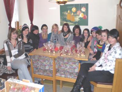 Im Dezember 2008 besuchten wir das Seniorenheim in Zell und überreichten  selbstgebackene Kekse an die Heimbewohner