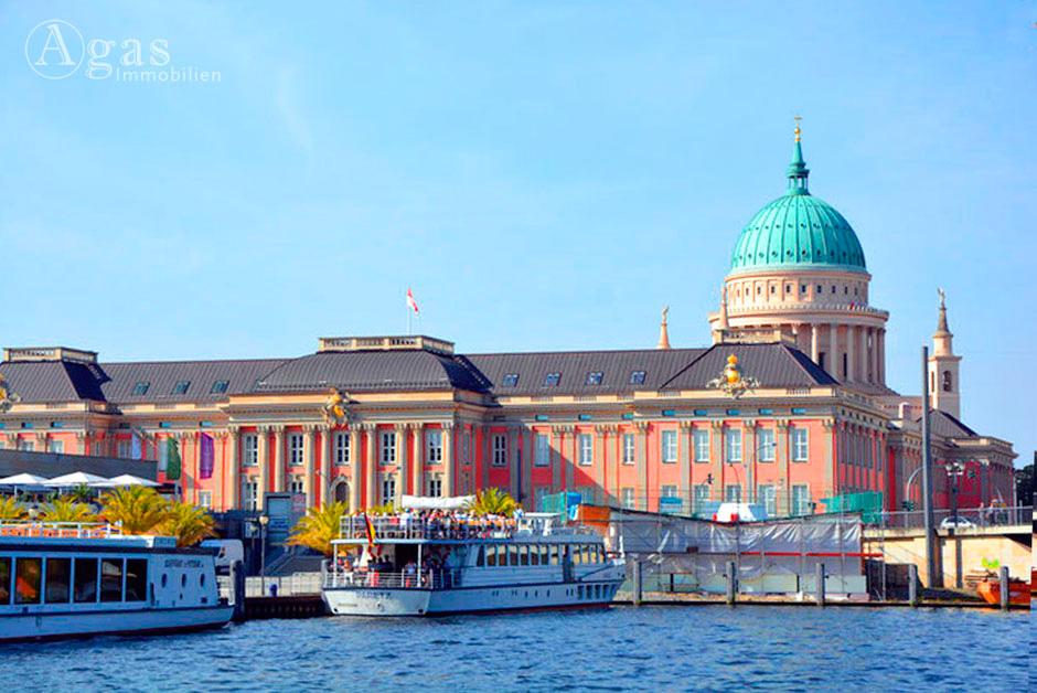 Stadtschloss Potsdam, Hafen