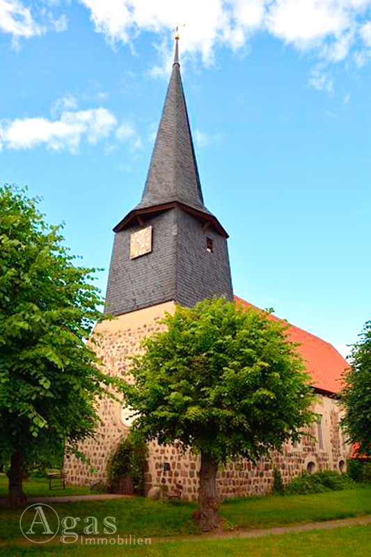 Makler Teschendorf Dorfkirche