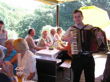 Skihütte: Sommerfest