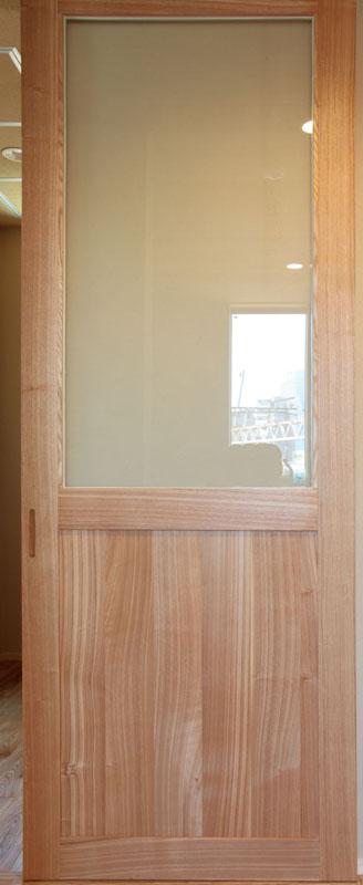 タモ製の框ドア