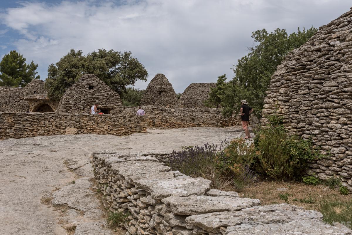 village, bories, gordes, provence, lavendelblüte, lavendel, gordes, reisetipps, infos, wanderungen, roadtrip
