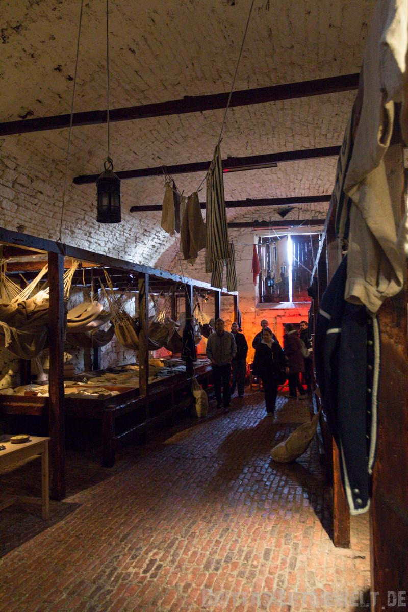 altes Gefängnis mit Hängematten