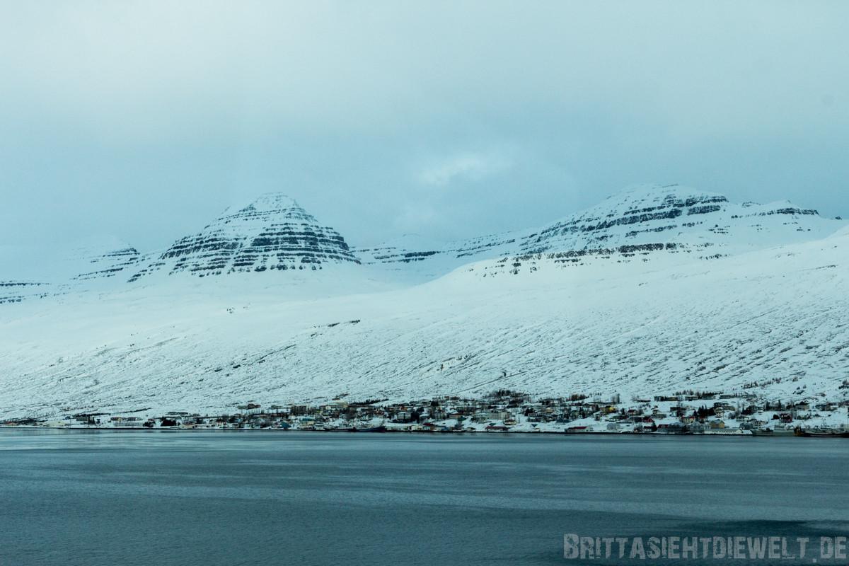 der Ort Fáskrúðsfjörður