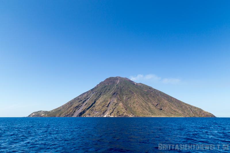 stromboli, eruption, vulkan, ausbruch, liparische, inseln, mai, tipps, aussichtspunkt, view, pizzeria, osservatorio