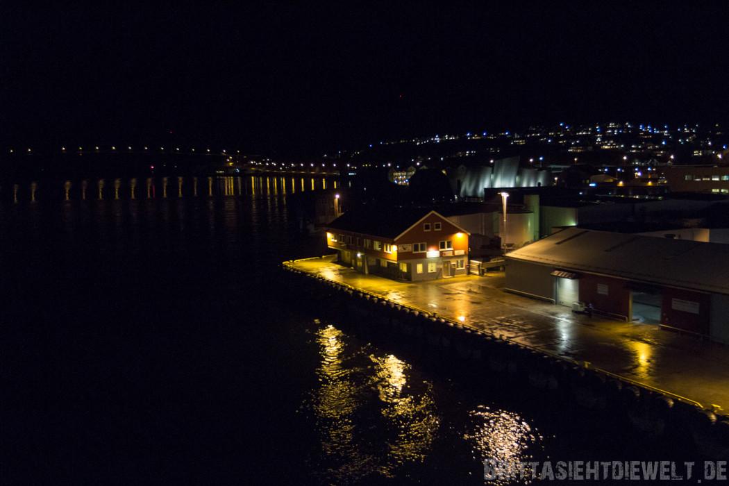 Blick vom Schiff in Richtund des Museums von Rørvik