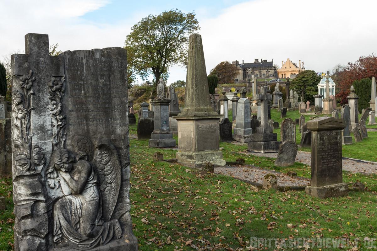 Friedhof und Stirling Castle im Hintergrund