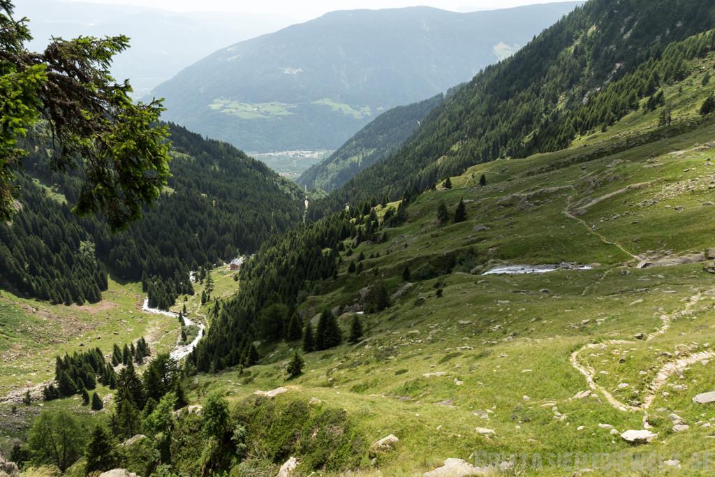 Blick zurück auf den Weg und die Nassereithütte
