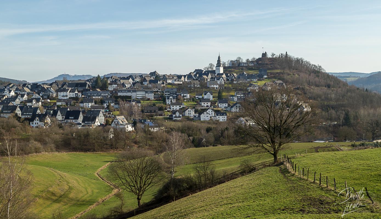 Sauerland - Eversberg, Sonnenrunde mit Burgruine