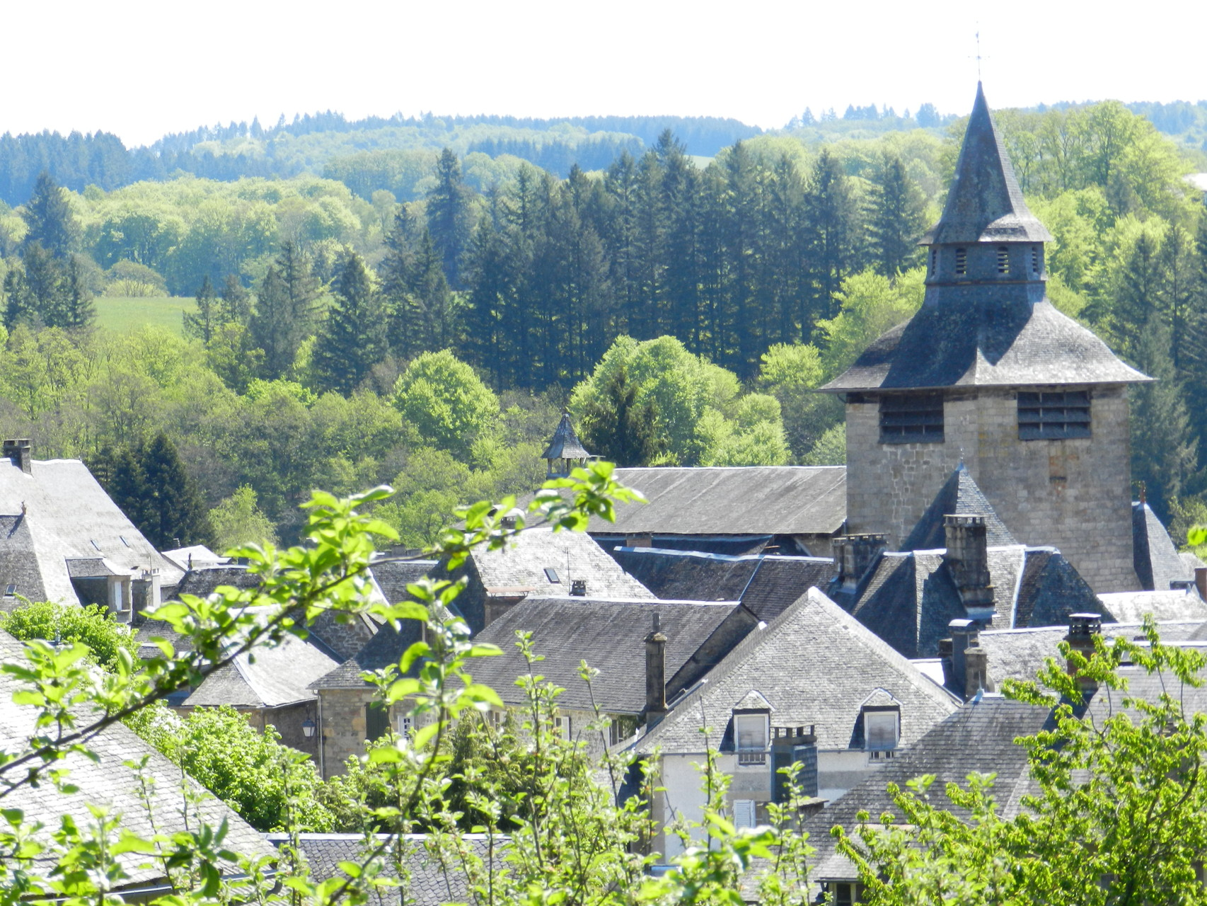 Le village de Corrèze: vue du clocher