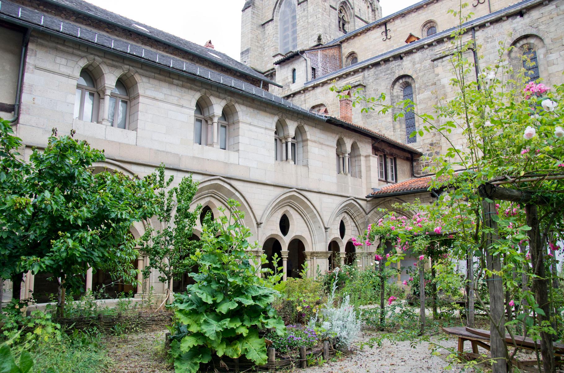 Tulle: le jardin du Cloître