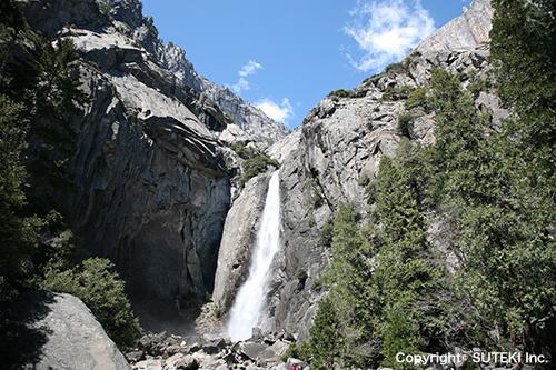 ヨセミテ滝|Yosemite Fall (Photo : 株式会社ステキ)
