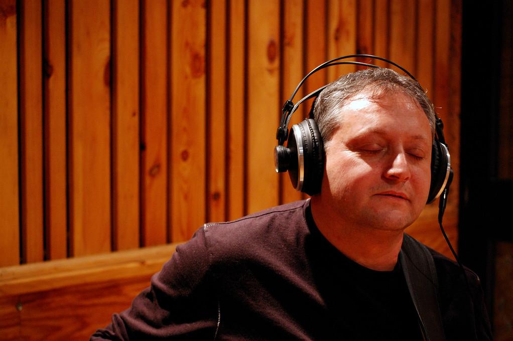 in studio di registrazione per Mario Biondi