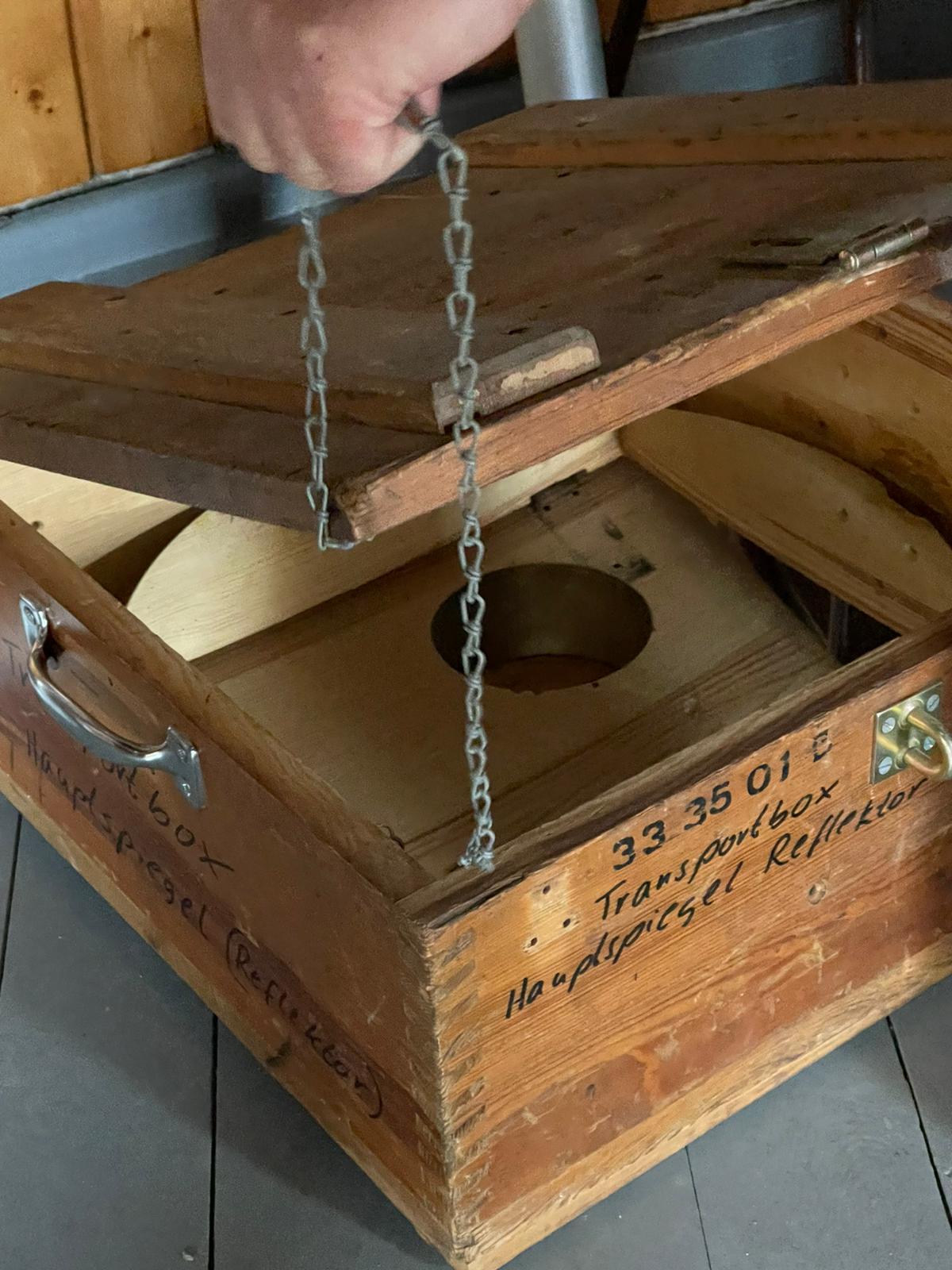 Zeiss-Hauptspiegel in Transportbox