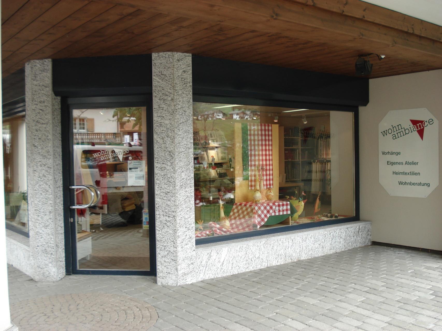 Eingang und Seitenfenster
