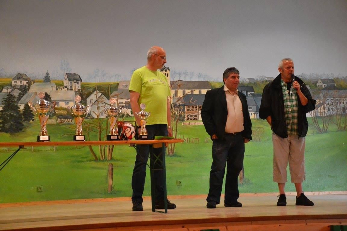 OB G.Scherer, Serdar Daldaban, D. Schneider vor der Siegerehrung