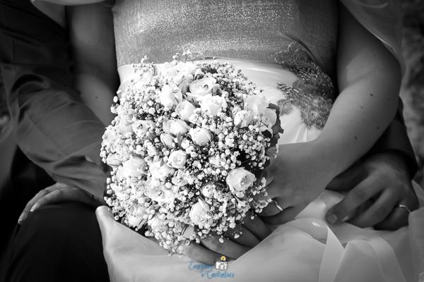 Gli sposi con il bouquet