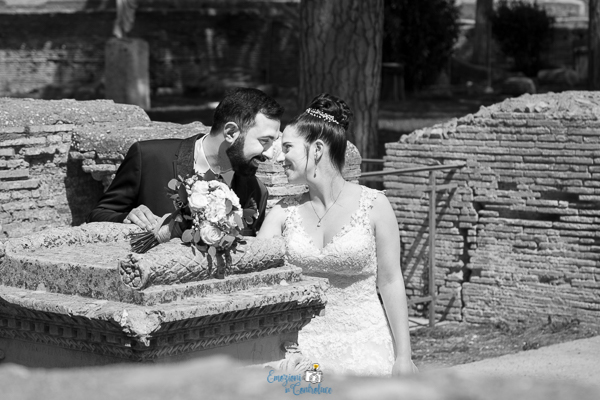 Ostia Antica, gli sposi ed il bouquet