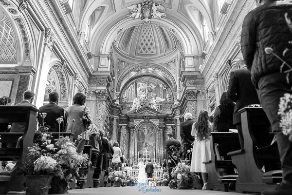 Panoramica della chiesa durante il matrimonio, Roma