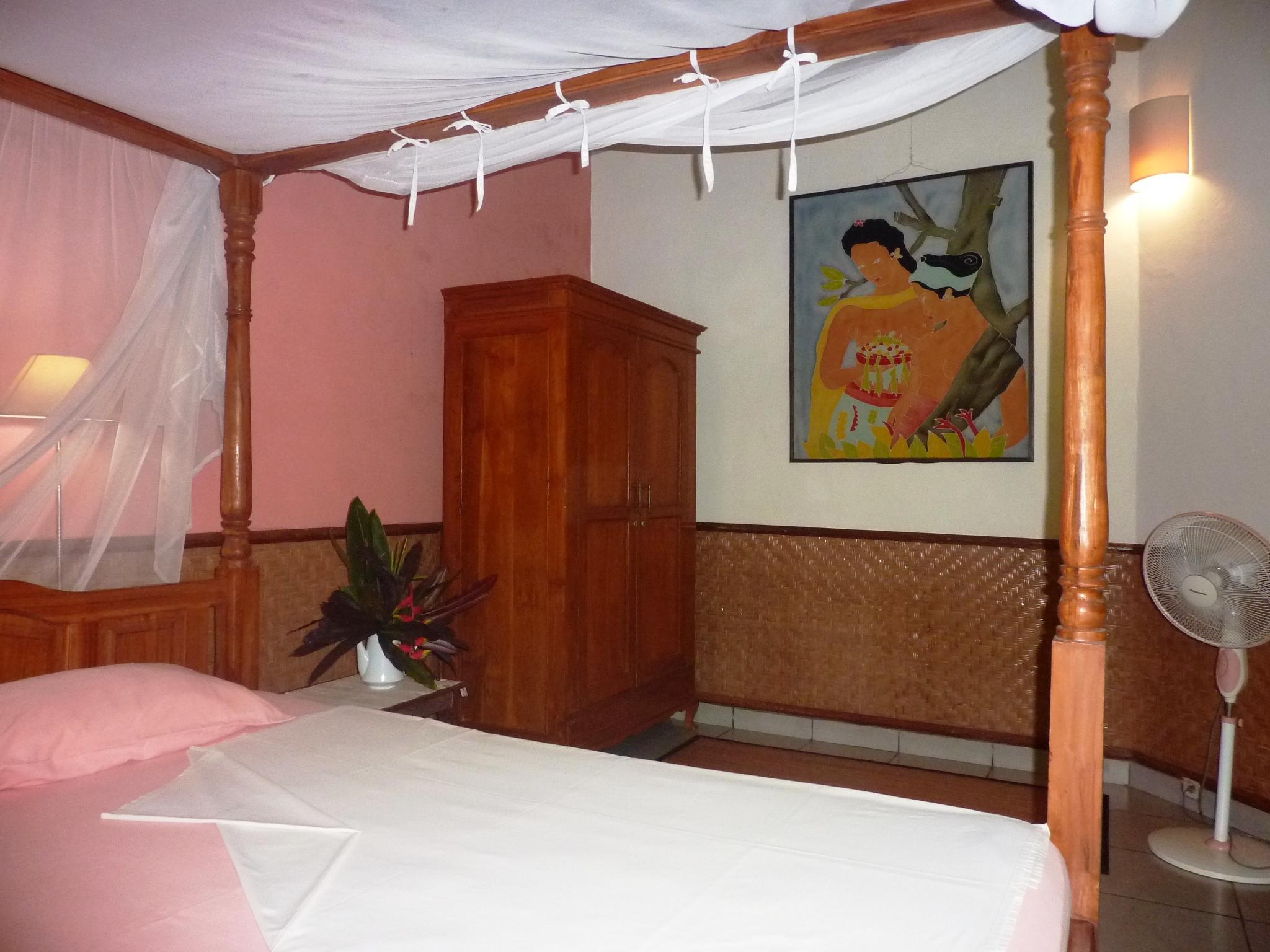 alle Betten haben gut schliessende Moskitonetze