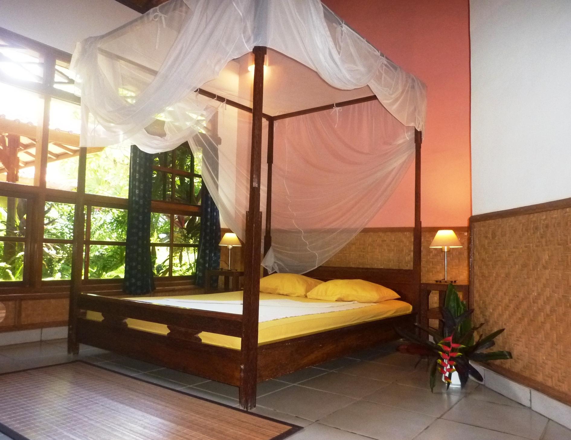 eines der 2 Zimmer vom grossen Bungalow, ventilatorgekühlt