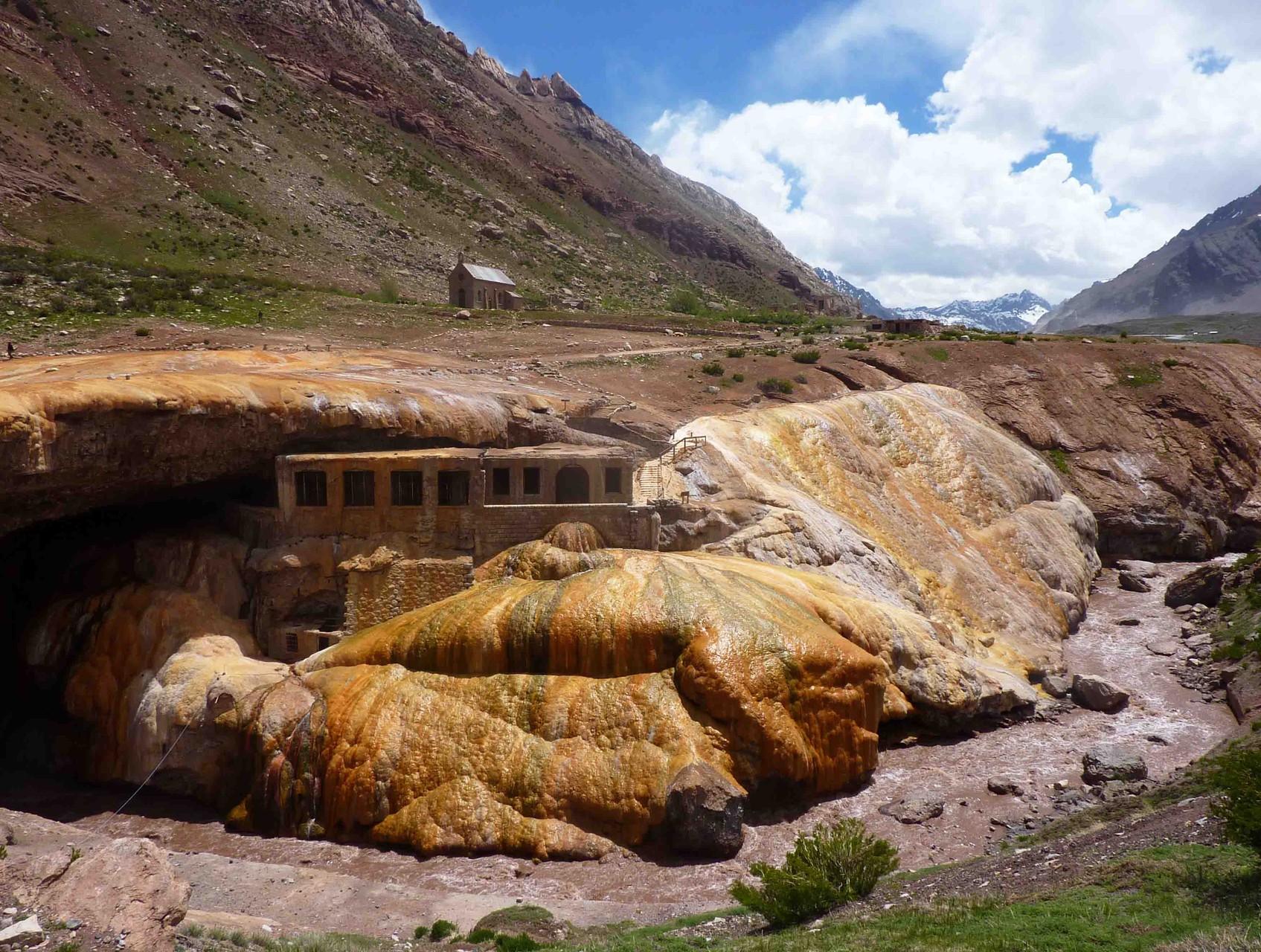 Arrêt incontournable au pont de l'Inca, arche naturelle pétrifiée