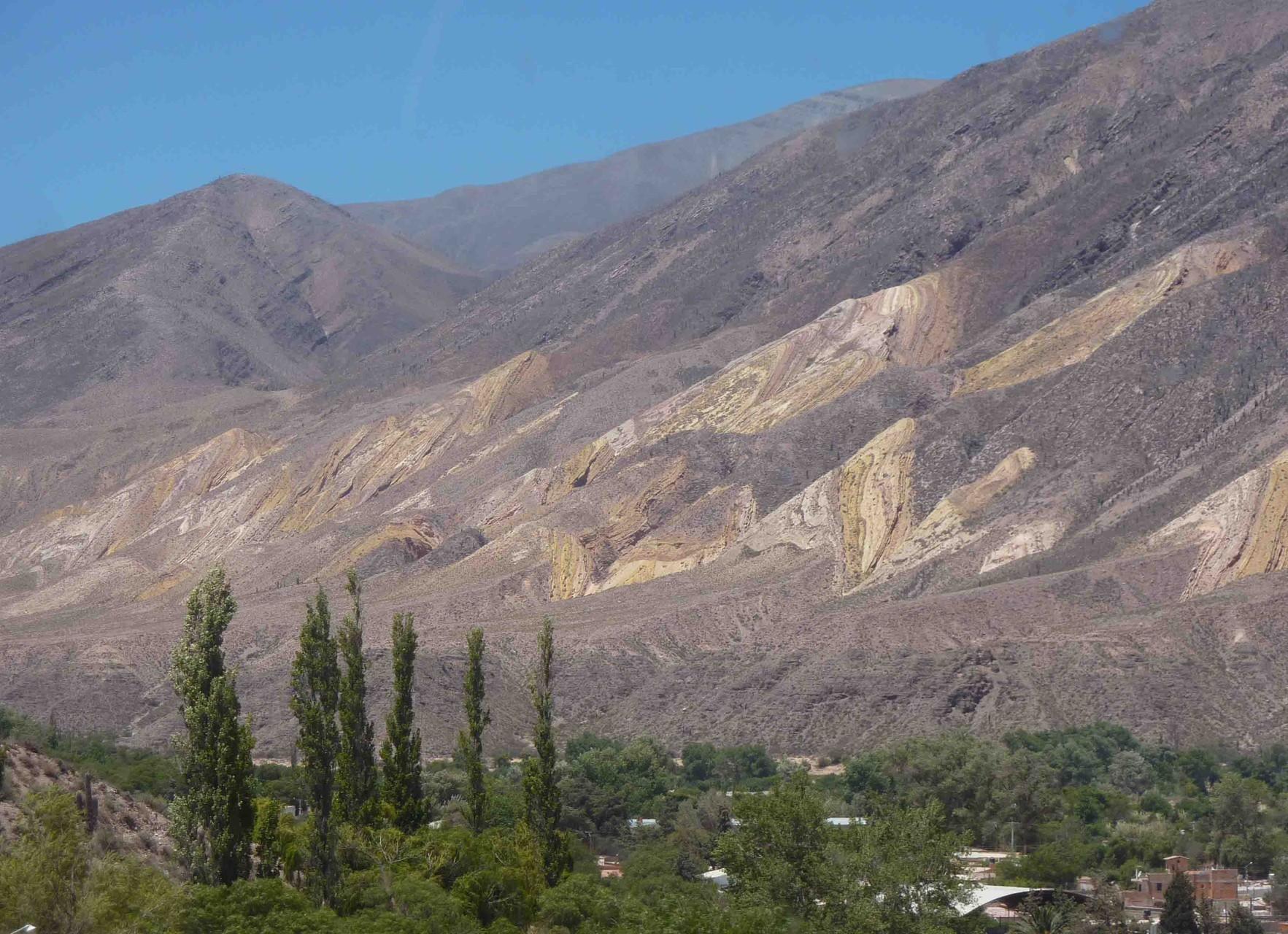 Vers la montagne aux 7 couleurs en direction de la Bolivie, la Quebrada de Humahuaca