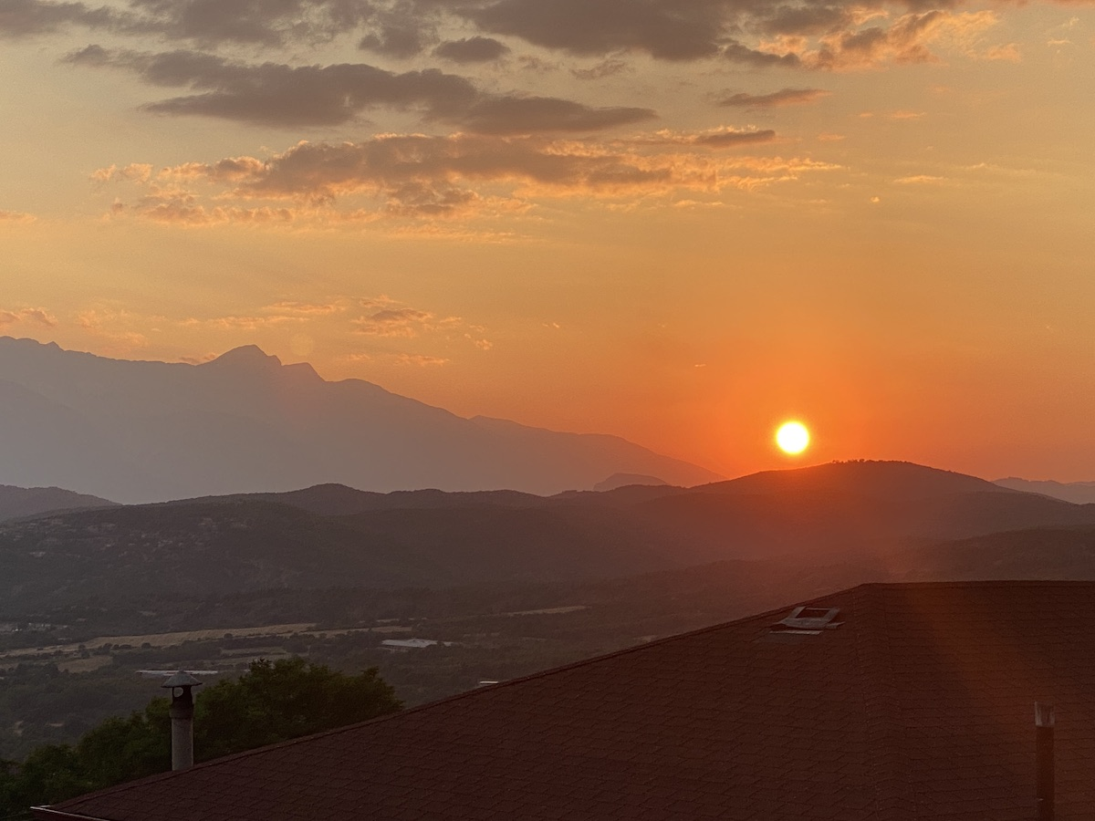 Schön: Sonnenuntergang bei Konitsa