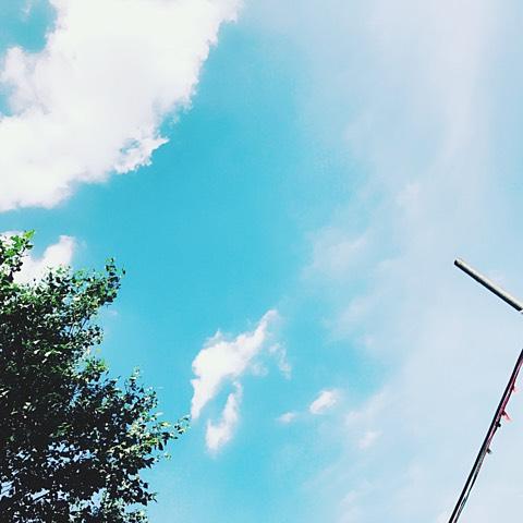 あなたの心が、この青空のようにカラッと晴れますように!