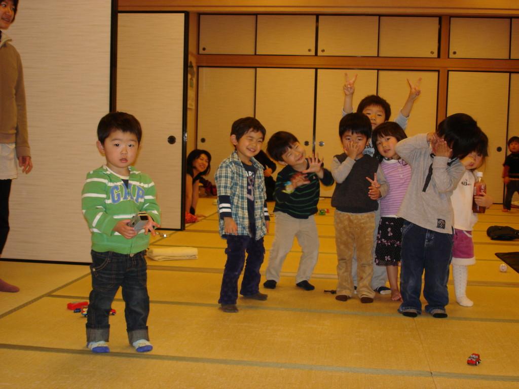 幼稚園入園前はうちのさともお友達とケンカしたりあそんだりして大変でした。