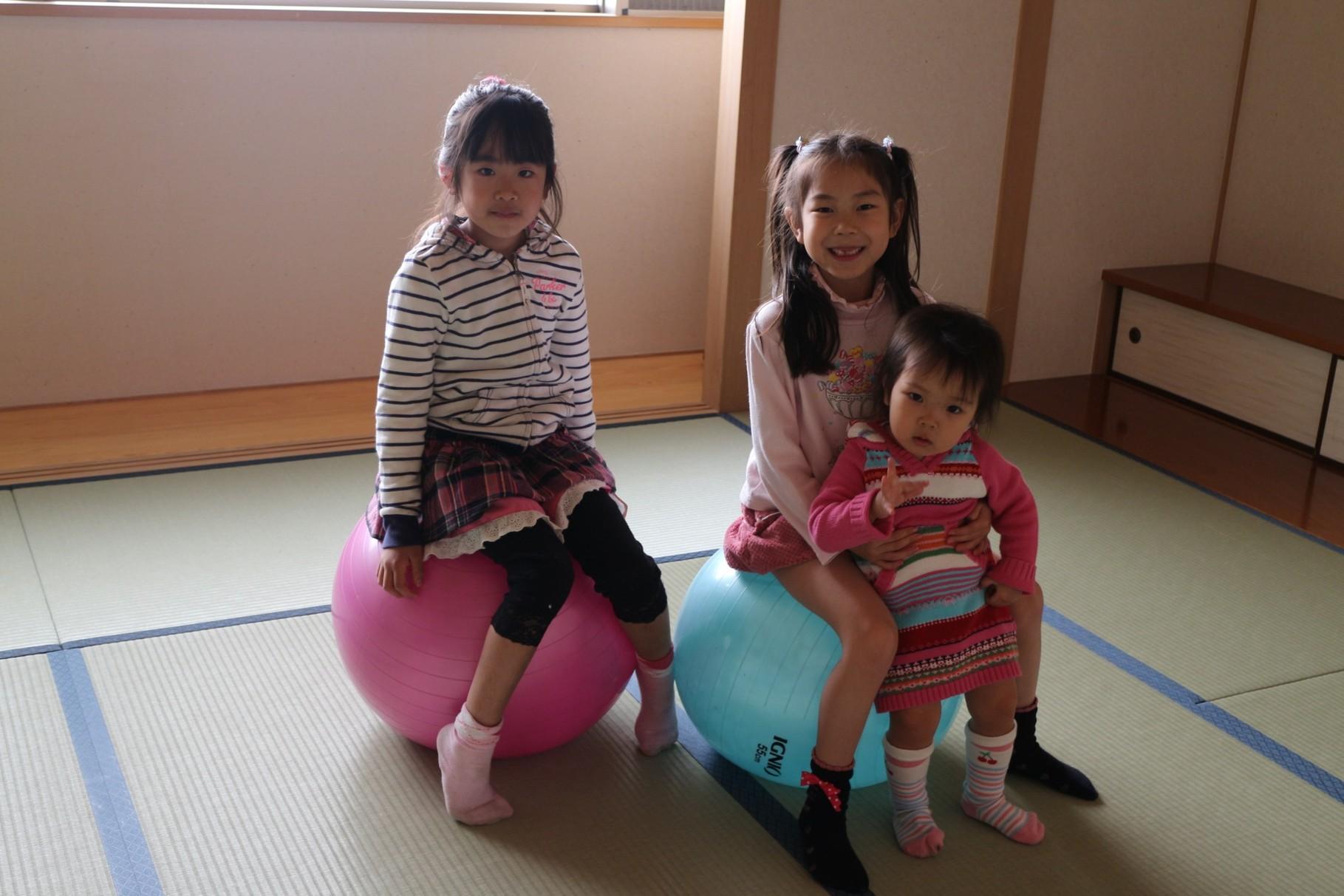 2014年3月。幼稚園前にママと来てくれていたみづきちゃんがきてくれました。