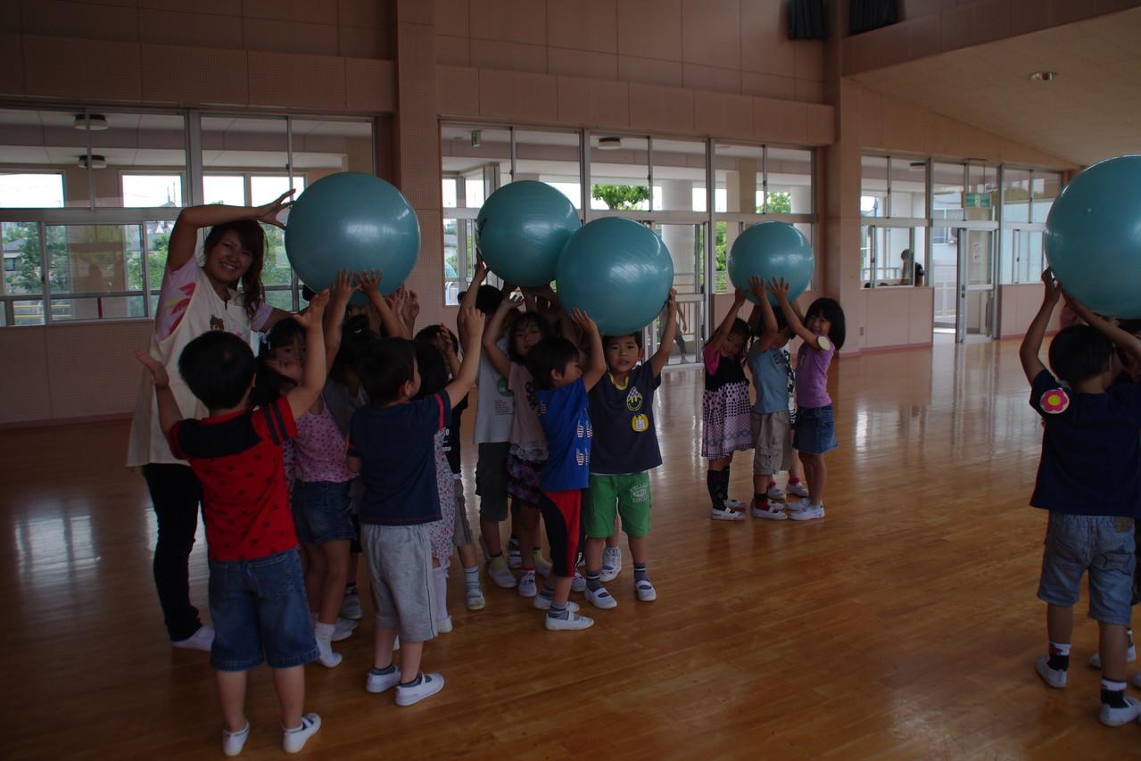 4クラス教えるのは大変でしたが、みんなの楽しそうな姿が見れて嬉しかったです。