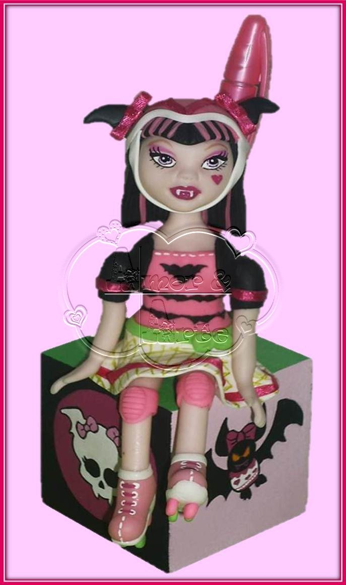 MONSTER HIGH DRACULAURA ROLLER MAZE