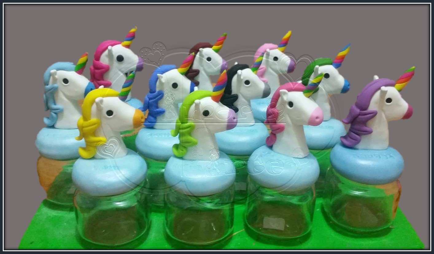 UNICORNIOS MULTICOLORES