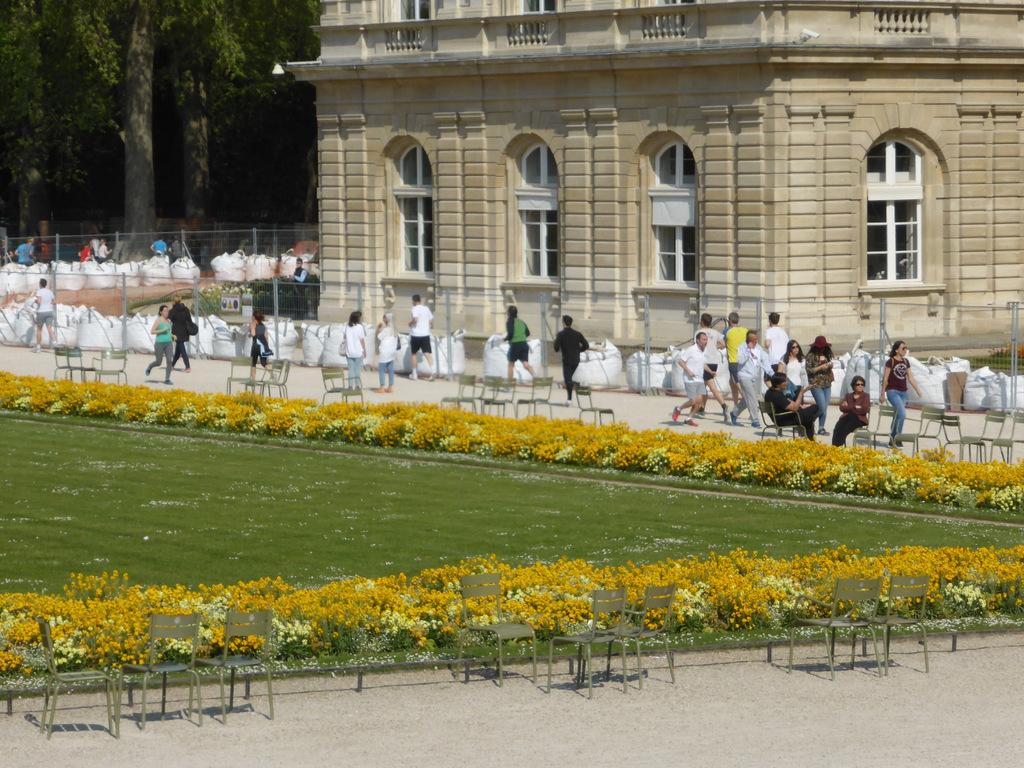 Der Palast mit den Joggern