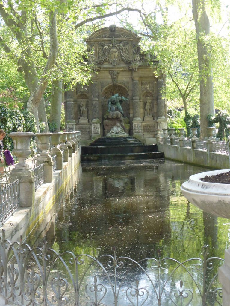 "La fontaine Médicis oder ""Der alte Glüsteler"""