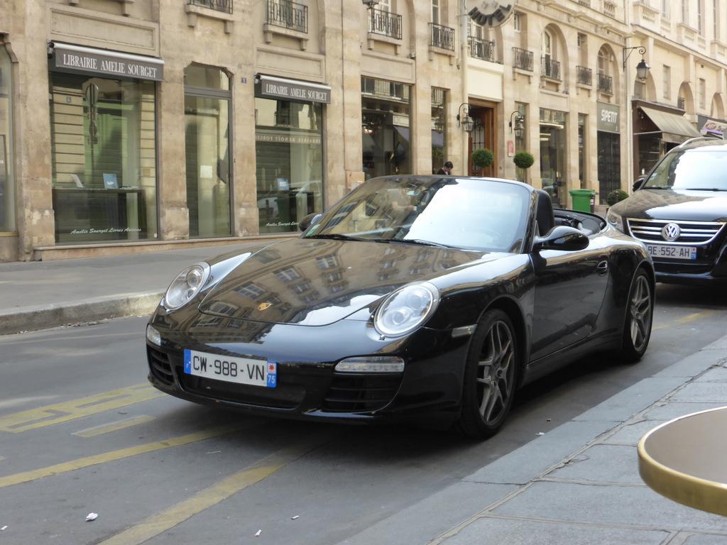 Rue de l'Odéon - Der noble Porsche....