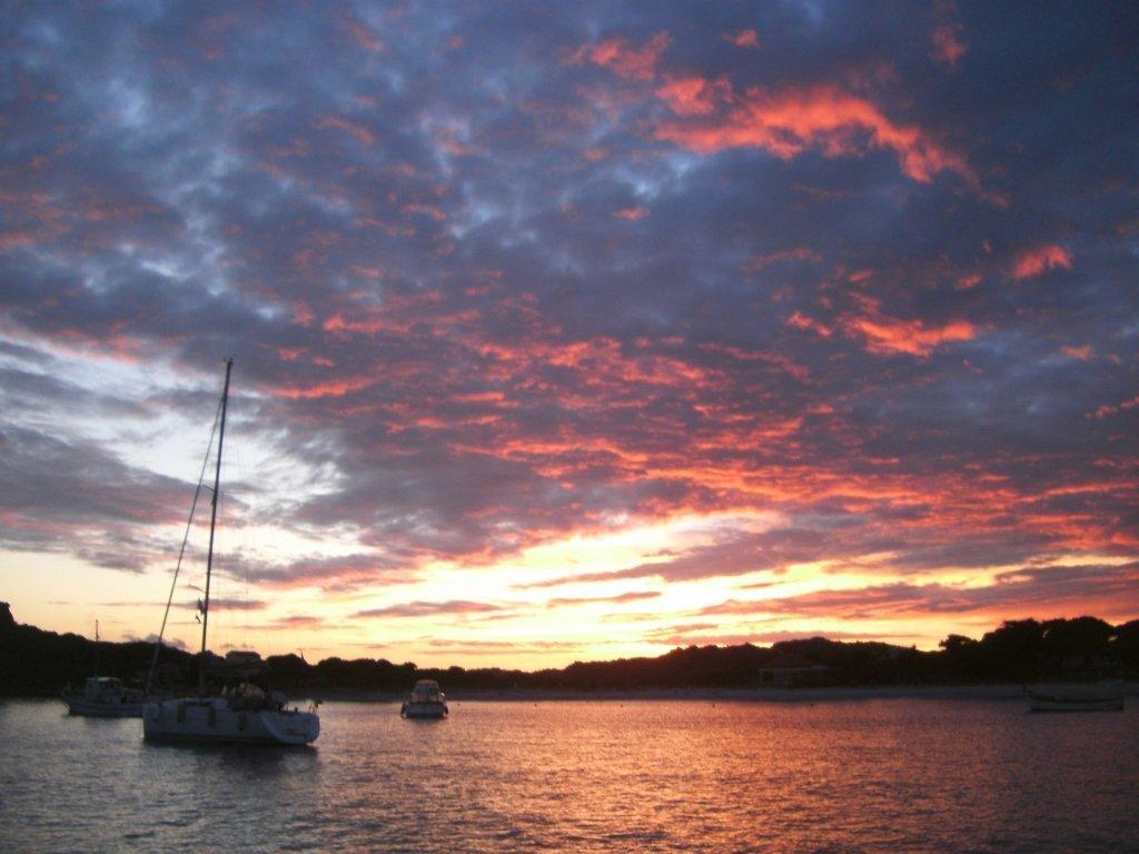 Sonnenuntergang Sardinien, Inseln Maddalena, Individual Reise, aktiv mitsegeln
