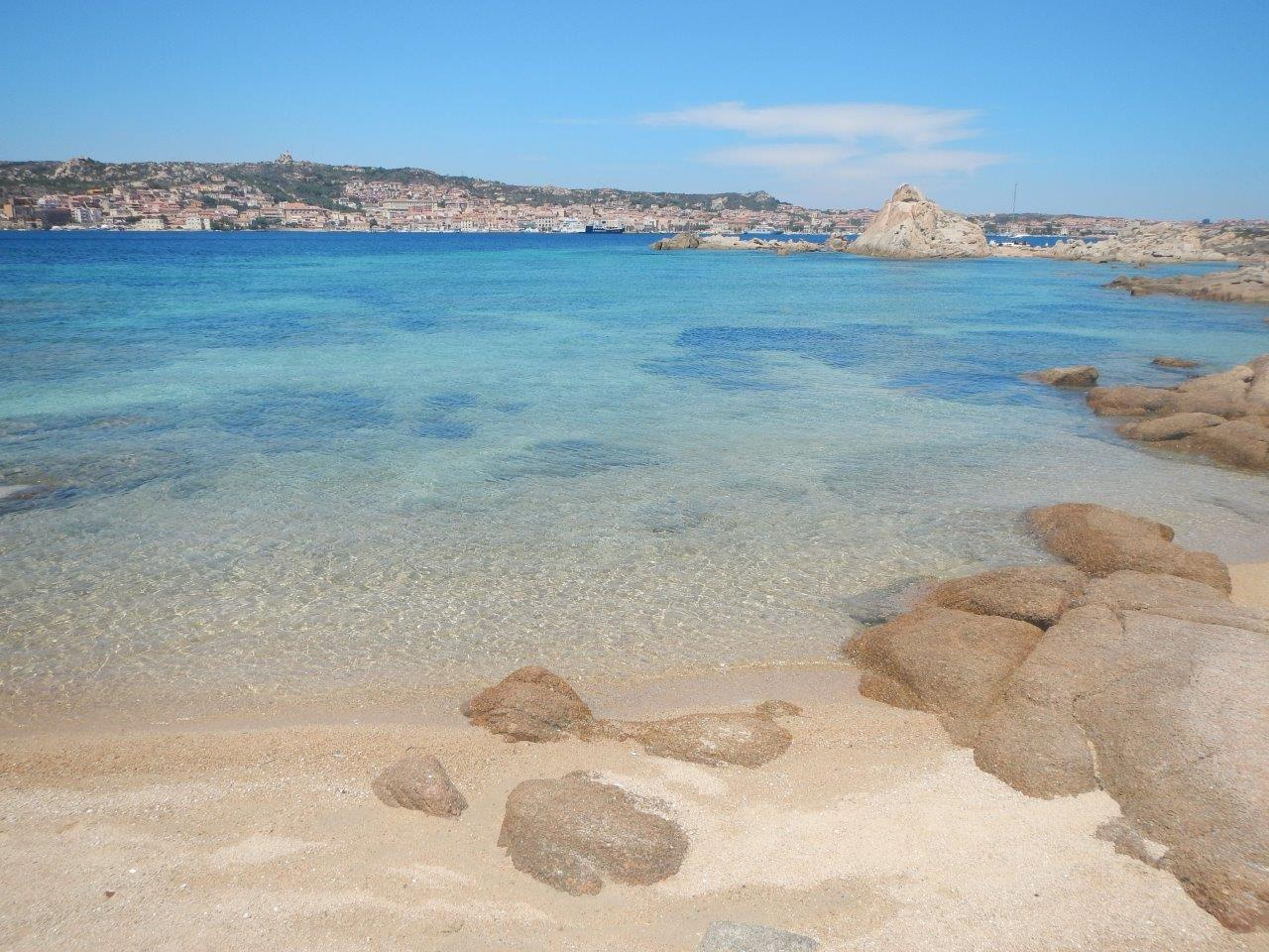 Strand Sommer Sonne Urlaub auf einer Segelyacht im Maddalena Archipel