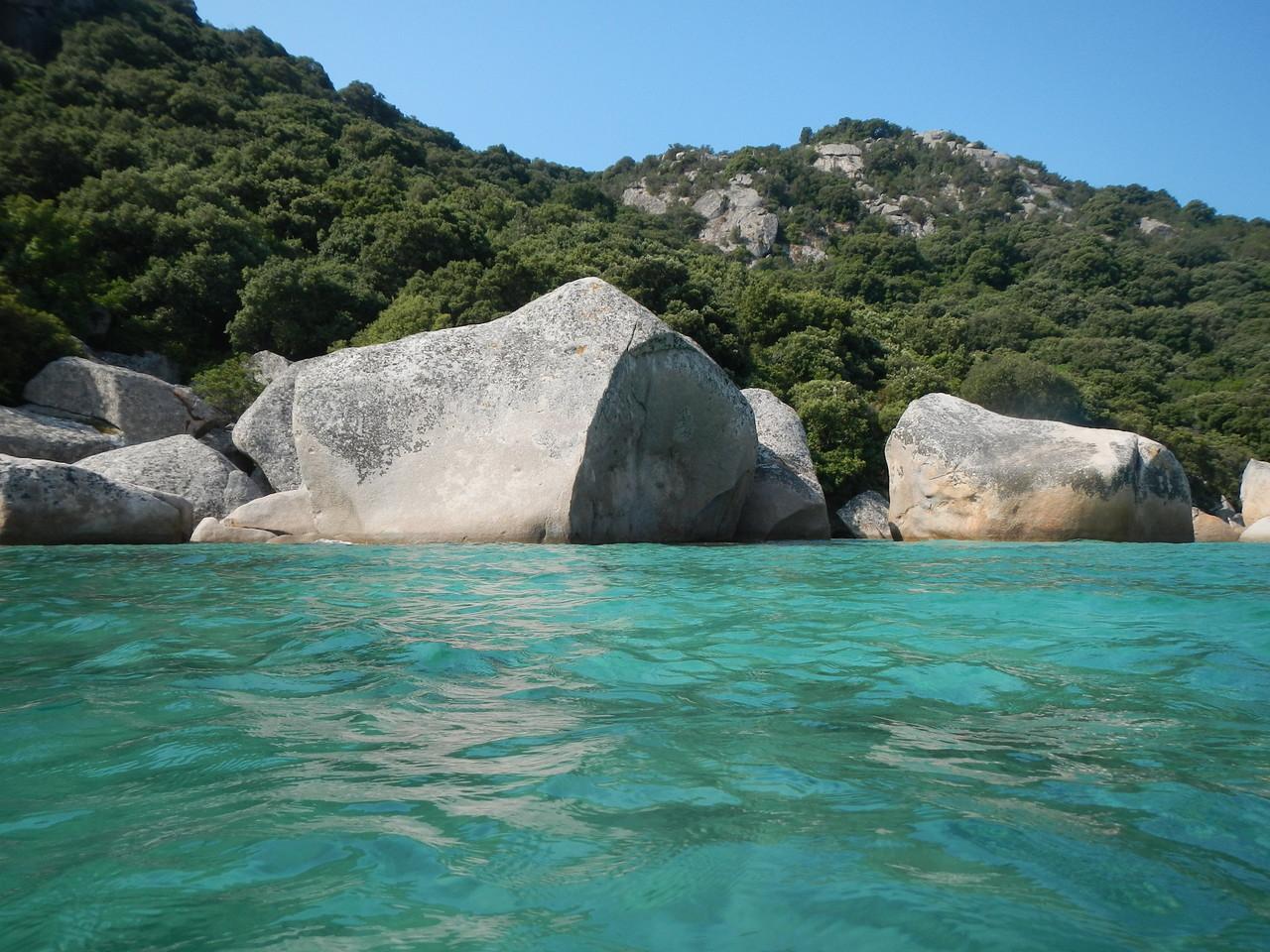 Santa Giulia, ein Badestop an der Boje und schnorcheln im Mittelmeer