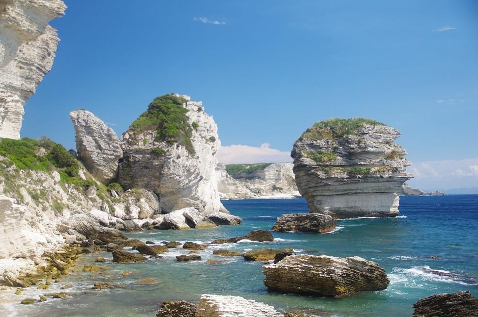Kreidefelsen vor Bonifacio bilden eine tolle Kulisse