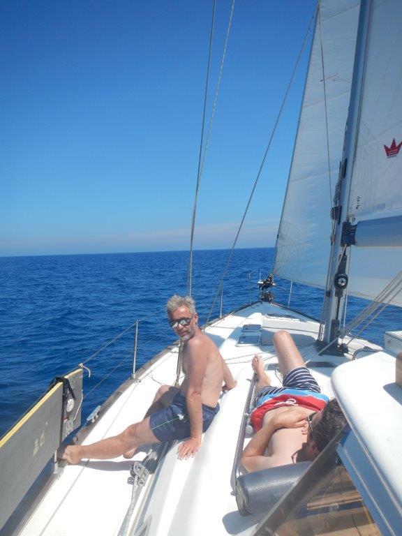 Relaxen geht auch beim Segeln, wenn der Wind so sanft ist wie an dem Tag