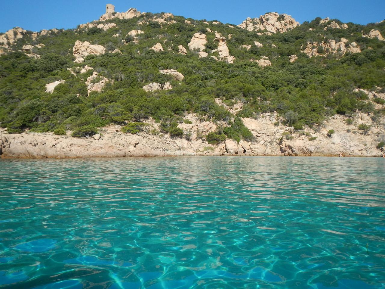 """Korsika, die Anse de Roccapina. Die schönste Wasserfarbe im Mittelmeer heißt """"scheiß türkis"""""""