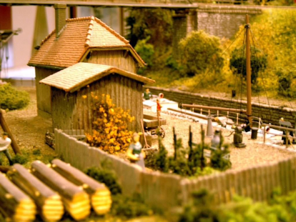 Die Frau des Schleusenwärters hat einiges Gemüse in ihrem Garten angepflanzt