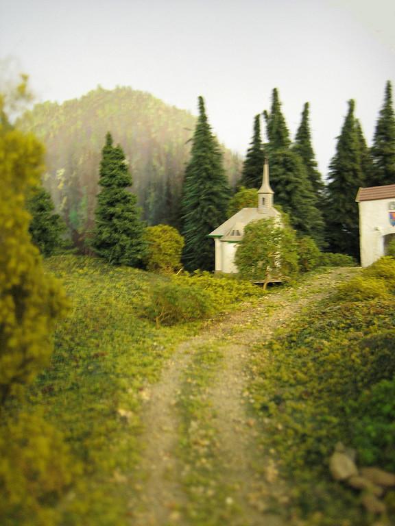 Auf dem Weg zur Waldburg steht diese verträumte Kapelle