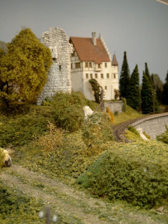 Die Burg (im Selbstbau entstanden nach einem Vorbild aus dem Land Baden).