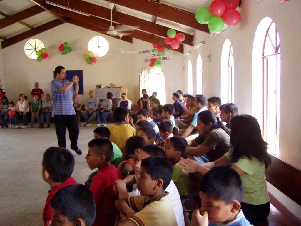 Programa especial con los niños